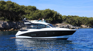 cruising motor yacht / sport / flybridge / IPS