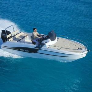 outboard walkaround / center console / sport / 8-person max.