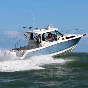 outboard express cruiser / twin-engine / hard-top / dive