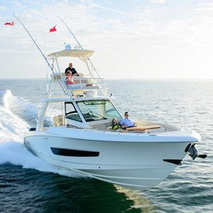 outboard center console boat / four-engine / flybridge / center console
