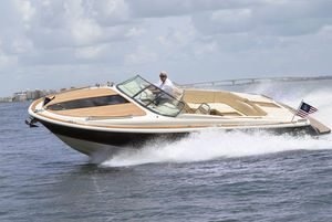 inboard runabout / twin-engine / dual-console / ski