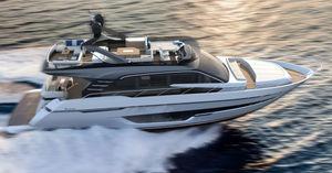 cruising motor yacht / flybridge / shaft drive / 6-berth