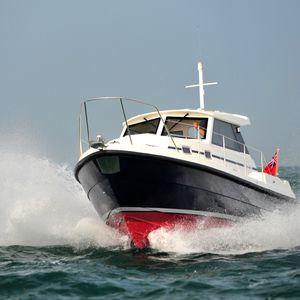 inboard cruising fishing boat
