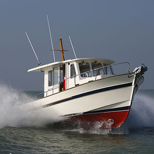 inboard cruising fishing boat / wheelhouse / 8-person max.