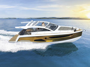 inboard express cruiser / twin-engine / soft-top / sport