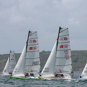 one-design sailboat