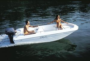 outboard center console boat / side console / 5-person max. / sundeck