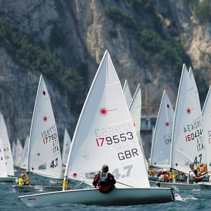 single-handed sailing dinghy / regatta / Optimist / Laser 4.7
