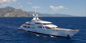 sport mega-yacht