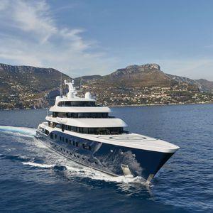 custom super-yacht / cruising / wheelhouse / 8-cabin
