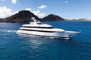 charter mega-yacht / classic / raised pilothouse / 7-cabin