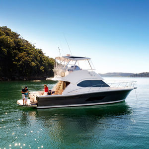 cruising motor yacht / offshore / sport-fishing / flybridge