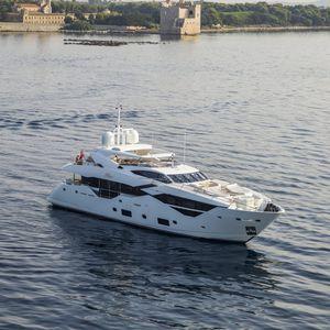 sport super-yacht
