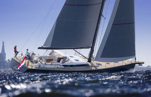 cruising-racing sailing yacht / open transom / 4-cabin / with bowsprit