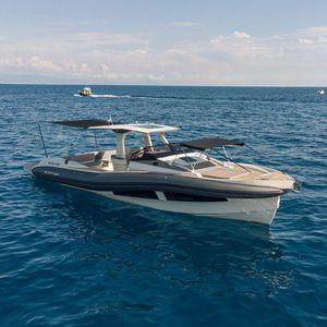 inboard inflatable boat / twin-engine / triple-engine / rigid