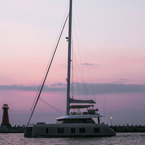 catamaran / charter / flybridge / open transom