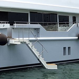 boat ladder / for yachts / lateral / retractable