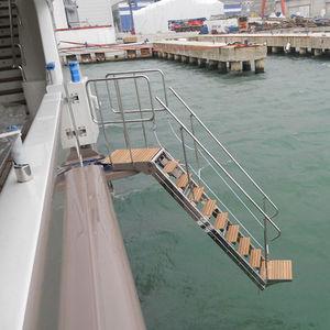 boat ladder / lateral / boarding / hydraulic