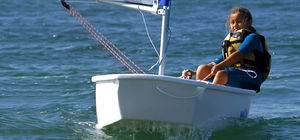 instructional sailing dinghy