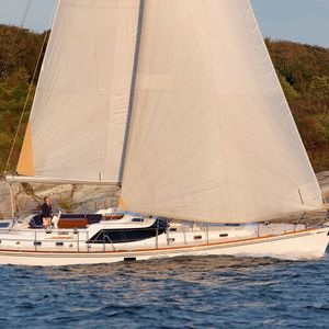 mainsail / headsail / for cruising sailboats / radial cut