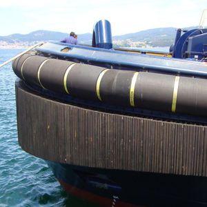 tugboat fender / bow / stern / heavy-duty