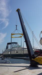 marina crane / luffing jib