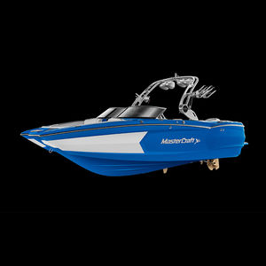 inboard deck boat / dual-console / bowrider / open