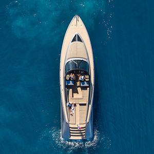 cruising motor yacht / open / hydro-jet / IPS