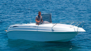 inboard center console boat / outboard / side console / 6-person max.