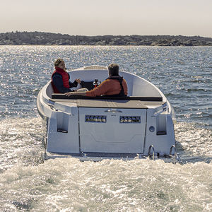 electric center console boat