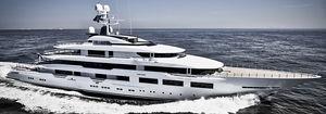 cruising mega-yacht / raised pilothouse