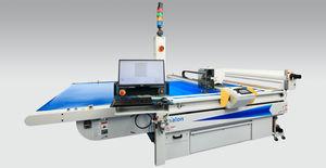 CNC cutting table / conveyor / for composite fiber fabric / shipyard