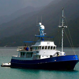 expedition motor yacht