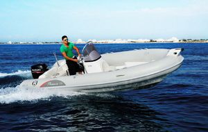 outboard inflatable boat / rigid / side console / dive