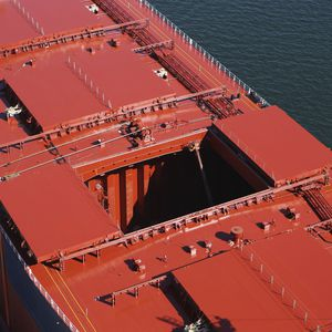 cargo ship hatch cover / sliding