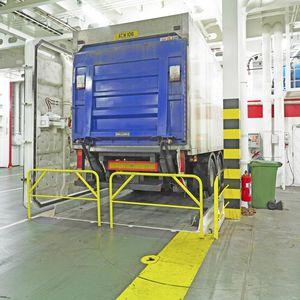 Ro-Ro ship platform / lifting