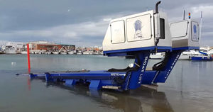 amphibious travel lift