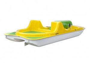 3-person pedal boat