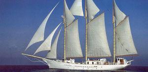 classic sailing super-yacht / open transom