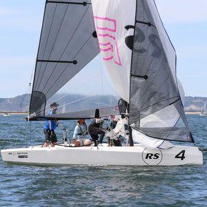 double-handed sailing dinghy / skiff / regatta / symmetric spinnaker