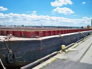Hopper barge cargo ship - All boating and marine industry