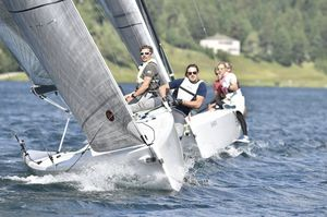 monohull / day-sailer / sport keelboat / open transom