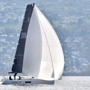 day-sailer / open transom / 1-cabin / lifting keel