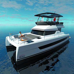 catamaran express cruiser / inboard / twin-engine / flybridge