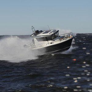 inboard cabin cruiser / hard-top / 4-berth / 2-cabin