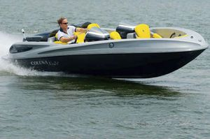 hydro-jet runabout / bowrider / dual-console / 6-person max.