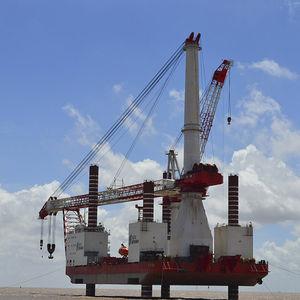offshore platform jack-up system / for wind farms
