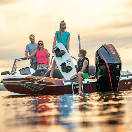 outboard bass boat / dual-console / sport-fishing / 7-person max.