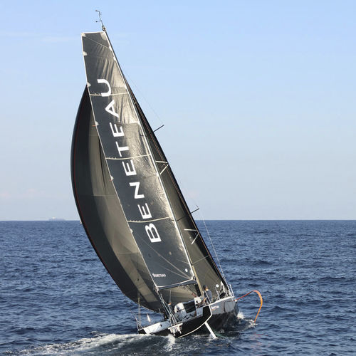 one-design sailboat