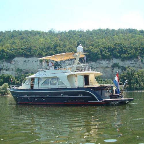 cruising motor yacht / flybridge / 2-cabin / 6-berth
